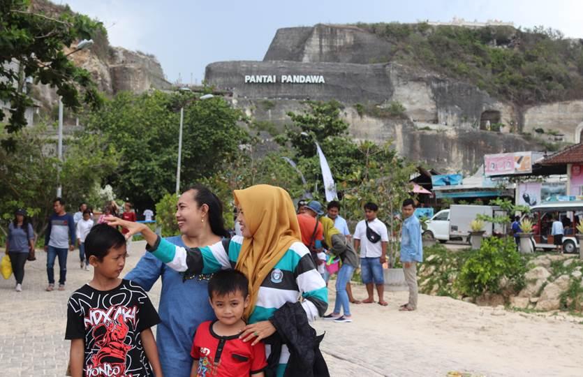 Pantai Pandawa tempat wisata di Bali paling populer tahun 2020