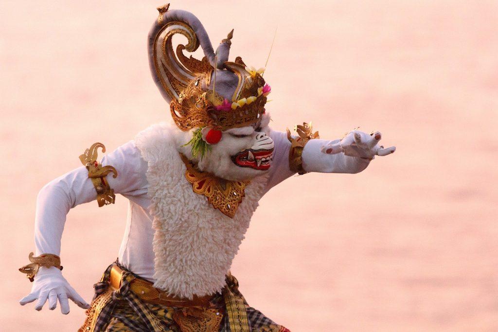 Tari Kecak Uluwatu tempat Wisata di Pulau Bali Terbaru 2020 yang Paling Populer